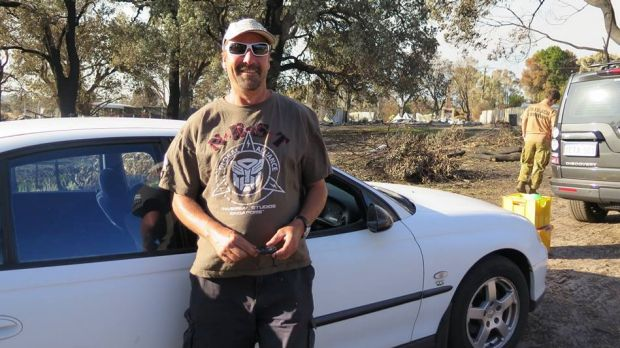 A Yarloop firefighter whose home was destroyed in the bushfires receives a donated car from a stranger.