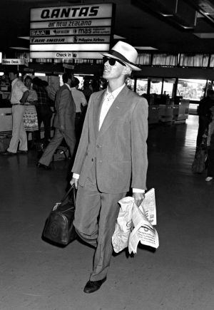 David Bowie departs Sydney airport (almost) unnoticed on 22 November 1983.