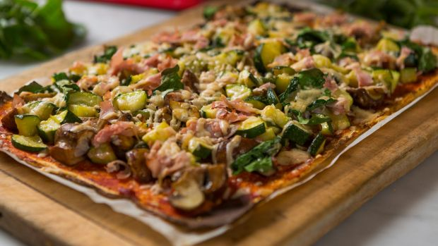 A dish paleo followers will know well: Pizza made with a cauliflower base.