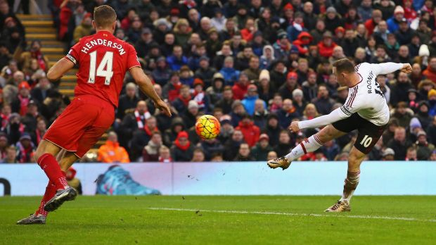 Wayne Rooney scores for Manchester United to give them a win over Liverpool at Old Trafford.