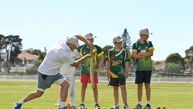 SYDNEY, AUSTRALIA - JANUARY 18:  Australian cricket legend Steve Waugh coaches kids during one of his clinics at Snape ...