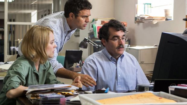 Rachel McAdams, Mark Ruffalo and Brian d'Arcy James in <i>Spotlight</i>.