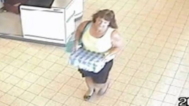 CCTV footage of Karen Chetcuti leaving ALDI in Wangaratta on Tuesday, January 12, 2016.