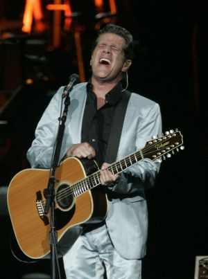 Glenn Frey on stage in 2005.