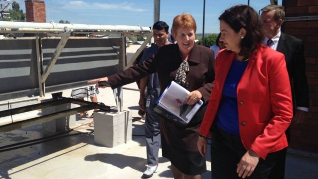 Queensland Premier Annastacia Palaszczuk inspects the outdated Roma Hospital.