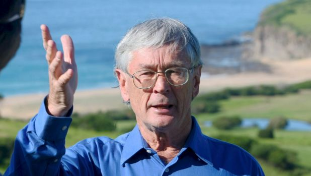 Dick Smith will run against Bronwyn Bishop if she is re-endorsed but will stand back if the Liberal Party chooses a ...