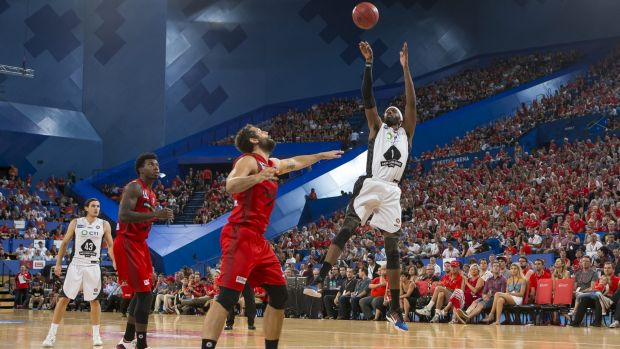 Emphatic: Melbourne import Hakim Warrick finished with a flourish in Perth before fouling out.