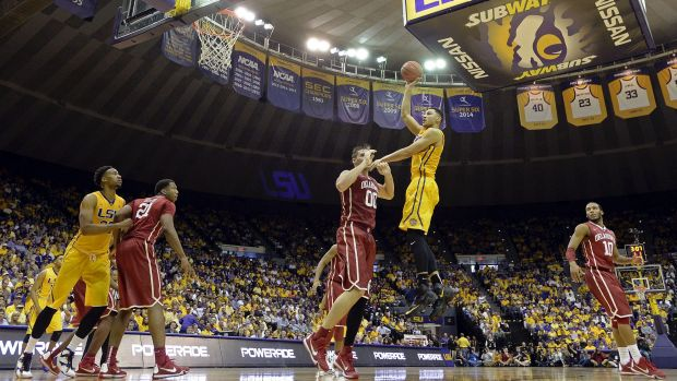 LSU forward Ben Simmons (25) shoots over Oklahoma forward Ryan Spangler (00) in the first half of an NCAA college ...