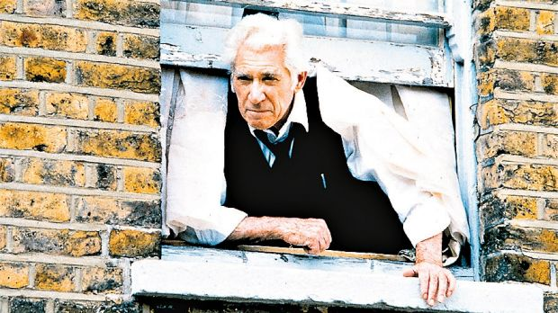 Frank Finlay as Irwin Green in <i>The Sins</i>.