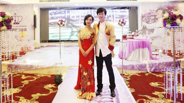 If You Are the One contestant Wu Zhengzhen with her husband Dong Yan at their wedding. The couple met on the show.