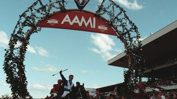Lay of the day: Belle du Jour takes the 2000 Golden Slipper with Lenny Beasley celebrating.