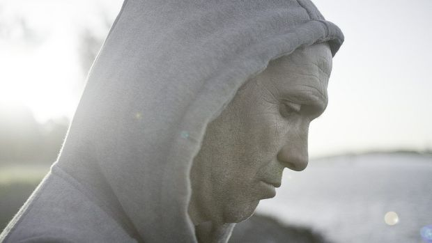 Fallen rugby league star Ben Kelly played by Steve Le Marquand in <i>Broke</i>.