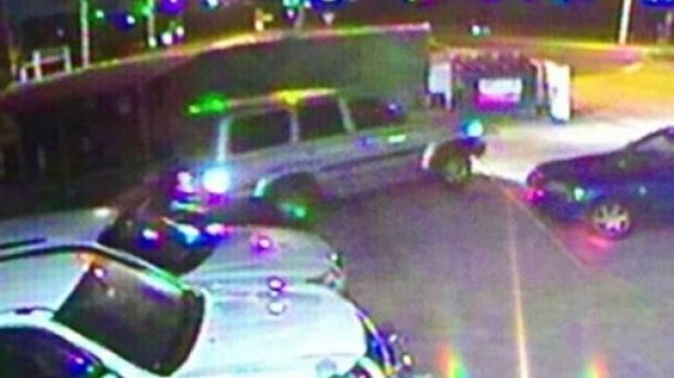 Victoria Police have released an image of thieves in a Toyota LandCruiser nabbing $250,000 worth of cycling equipment ...