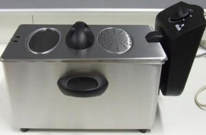 Woolworths' Abode three-litre stainless steel deep fryer has weak handles.