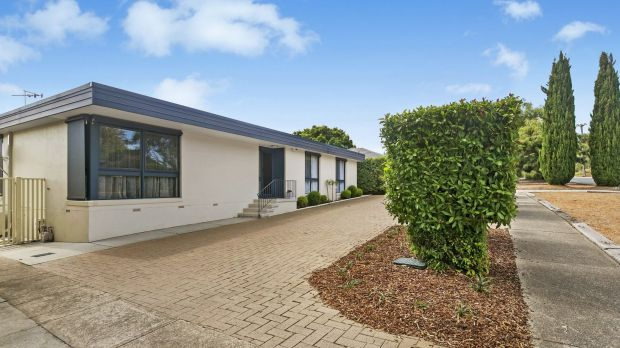 Property of the week. 38 Dixon Drive, Holder.