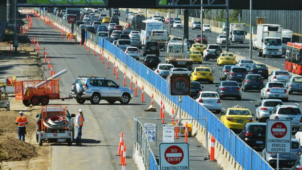 Transurban is in pole position to win Western Distributor, but not everyone thinks it's a good deal.