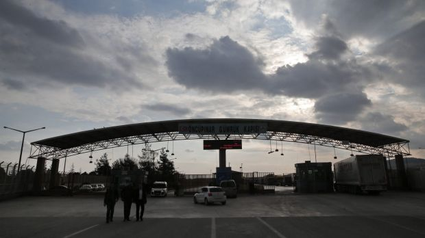 The closed Turkish border crossing with Syria on the outskirts of the town of Kilis, in south-eastern Turkey, on Wednesday.