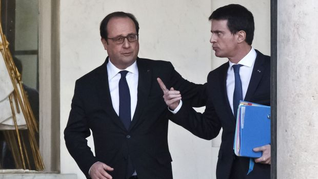 Francois Hollande, left, and French Prime Minister Manuel Valls after their weekly cabinet meeting at the Elysee Palace ...