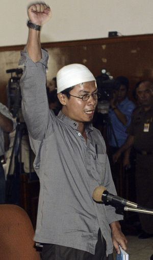 Iwan Darmawan, also known as Rois, stands defiant after being sentenced to death in Jakarta in September 2005.