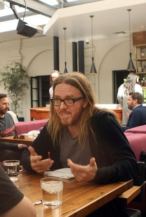 Australian musical comedian Tim Minchin's new charity song urging George Pell to 'come home' has drawn strong reactions ...
