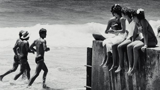Eyes right, Coolangatta (from 'Journeys north' portfolio) 1986-87 Gelatin silver photograph on paper. Purchased 1987 ...