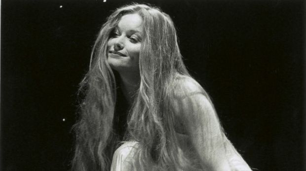 Essie Davis played Juliet in a John Bell-directed production in 1993.