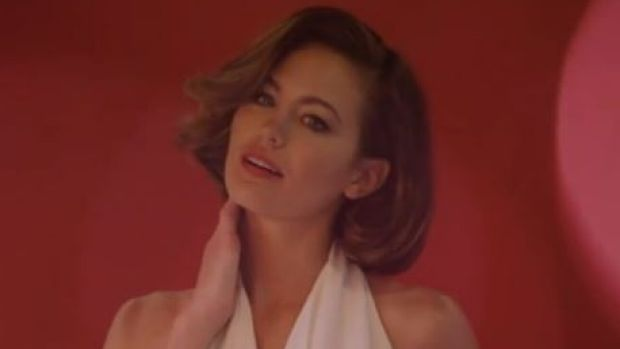 Jesinta Campbell brings back 1970s glamour for the photo shoot.