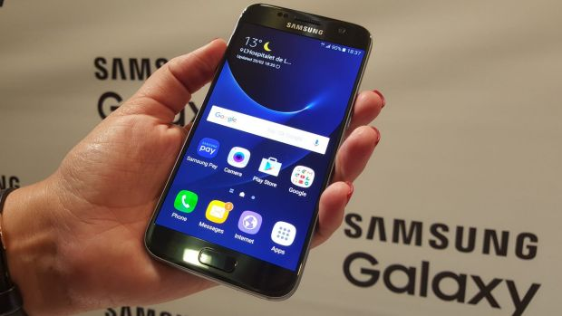 Samsung will offer Samsung Pay later in 2016 on some of its existing and new Galaxy models.