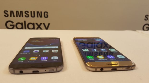 Samsung's two new flagship phones, the Galaxy S7 and Galaxy S7 Edge.