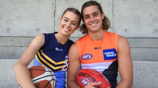 Sophie Steele is hoping to follow her brother Jack and become a professional AFL player.
