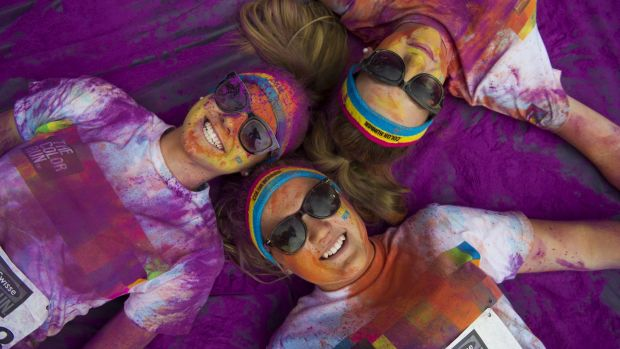 Clouds of colour will take over Commonwealth Park on Sunday for The Color Run.