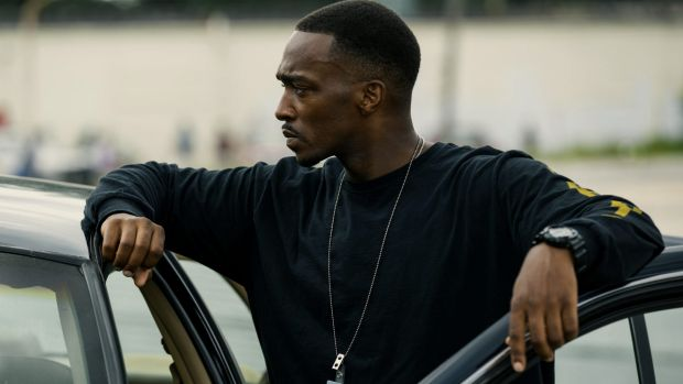 Corrupt cop Marcus (Anthony Mackie) in <i>Triple 9</i>.