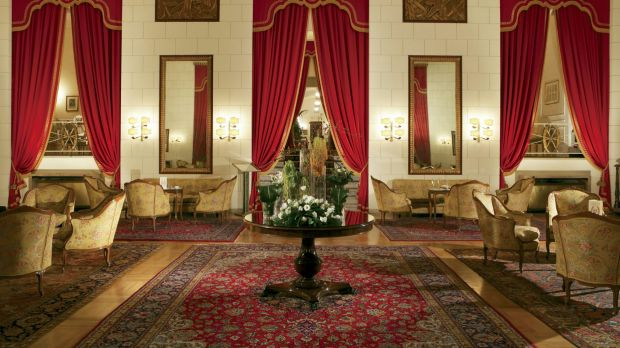 Guests at the Hotel Quirinale are welcomed with plush surroundings.