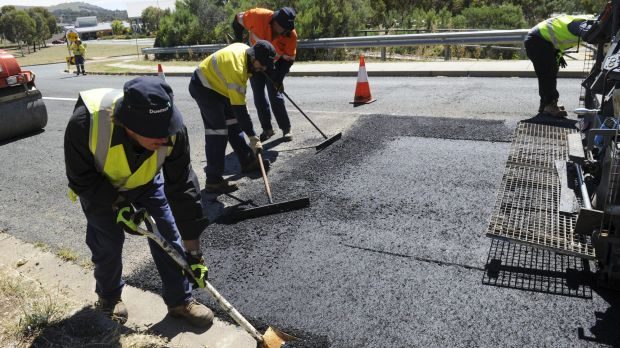 Roads ACT is trialling a carbon-reduced asphalt mix, using recycled toner cartridge powder.