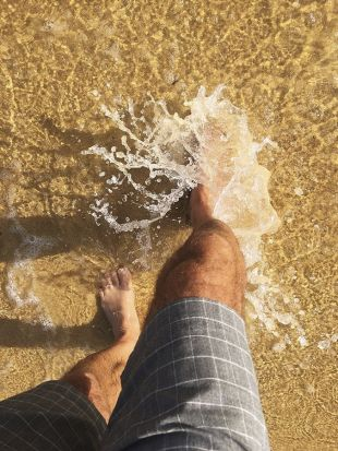 Alan Nicol - Splash. Nice water temperature for cooling the feet. Moruya Heads.