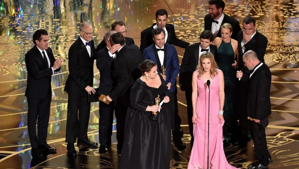 Cast and crew of <i>Spotlight</i> at the Academy Awards.
