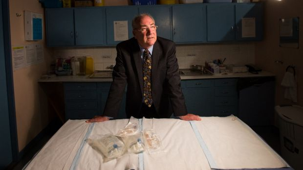 Dr Geoff Kemp has been giving intravenous antibiotics to people he believes have Lyme disease.