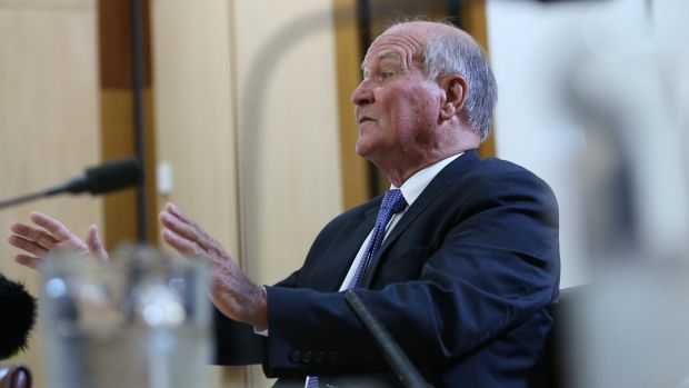 Tony Windsor has announced he will contest the seat of New England as an independent candidate.