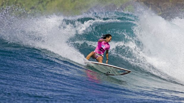 Layne Beachley shows her championship style on the water in Maui, Hawaii, in 2006.