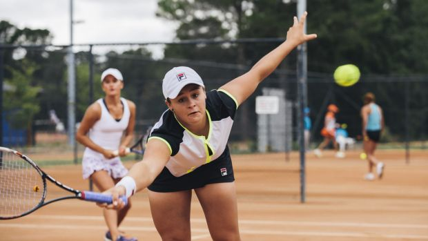 Former Wimbledon junior champion Ashleigh Barty continued her tennis comeback with a win in Canberra on Tuesday.