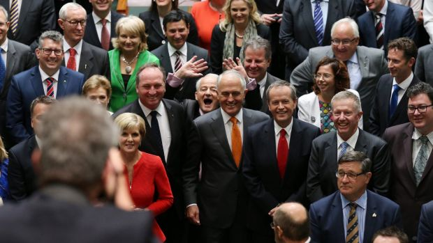 Philip Ruddock photobombs the official photograph of the 44th Parliament of Australia in the House of Representatives ...