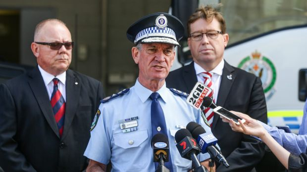 NSW Police Commissioner Andrew Scipione has announced new laws targeting organised crime gangs.