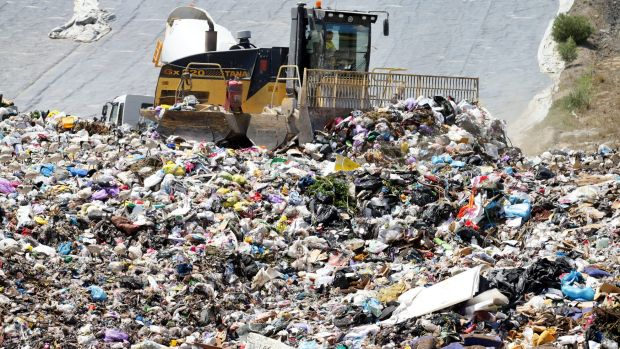Waste giants are still donating to major political parties in Queensland and throughout Australia.