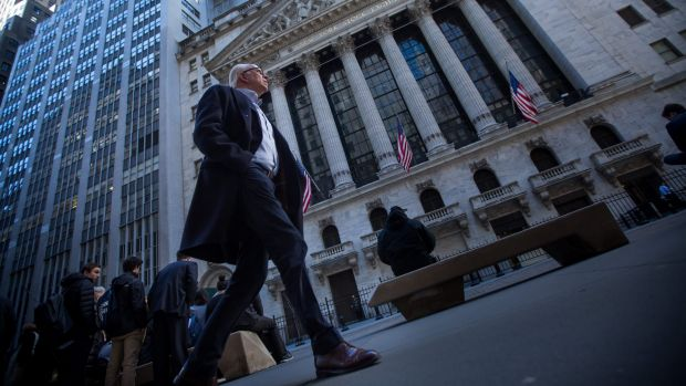 Employees of New York securities firms have enjoyed a 45 per cent climb in average bonuses since a post-crisis trough, ...