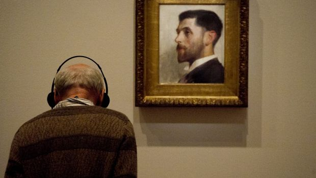 Large crowds have been at the Tom Roberts exhibition at the National Gallery of Australia. The exhibition ends Monday.