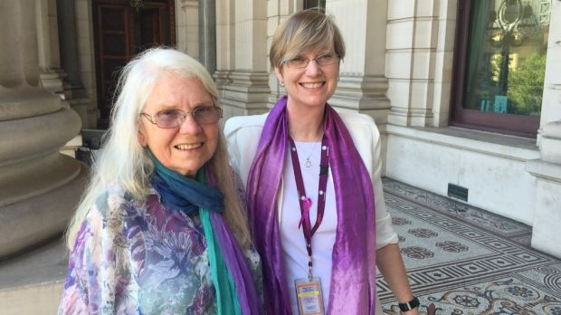 Fiona Richardson with her mother, Veronica Power, on the steps of Victorian parliament.