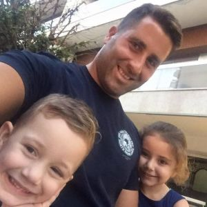 Ali Elamine with his children Lahala, 6, and Noah, 4.