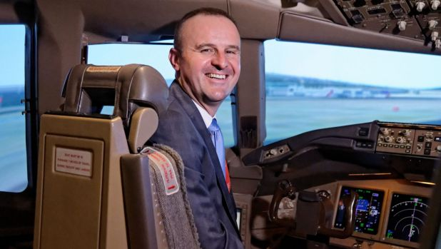 Andrew Barr will meet with the head of Singapore Airlines to bolster Canberra as a freight hub.