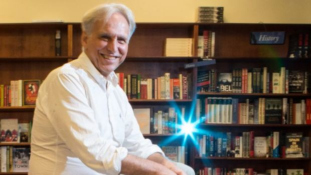 Mark Rubbo and the Readings bookshop have won Bookstore of the Year award at the London Book fair.