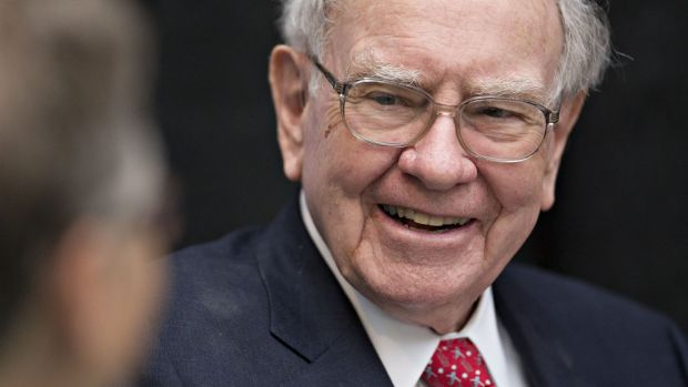 Donor pays $2.5 for lunch with Warren Buffett